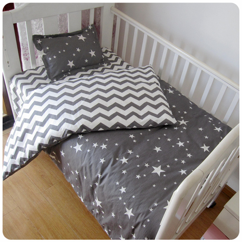 Free shipp 3 Pcs 100 Cotton Crib Bed Linen Kit Cartoon Baby Bedding Set Includes Pillowcase