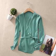 A new long sleeved sweater loose sweater female female fashion sexy V collar cardigan sweater cashmere sweater women leak