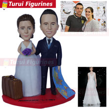 Bobble Head Figures collectible figurines husband & wife travel wedding miniature custom bobblehead couple traveling