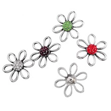 new 50pcs lot mix colors Women high quality flower 18mm Snap It press silver rhinestone watch