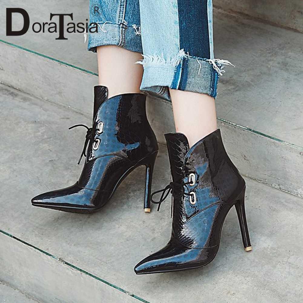 DoraTasia חדש סקסי קרסול מגפי הבוהן מחודדת פטנט עור גבוהה נשות עקבים מגפי Autunm חורף נעלי אישה 32 -47