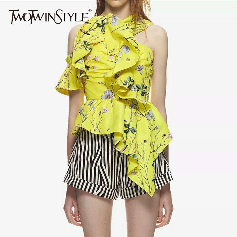 TWOTWINSTYLE мода печатных блузка с рюшами рубашка женская без рукавов Холтер Асимметричный блузки сексуальные топы Для женщин 2018 новые летние
