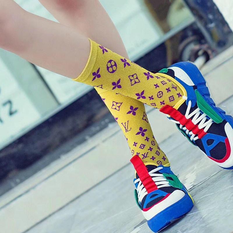 8colors New Fashionable Autumn Winter Women   Socks   Cotton 1 Pair Candy Bright Silk Middle Tube Letters Pink Ladies Sports   Socks