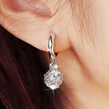2017 new arrival hot sell fashion shiny crystal 925 sterling silver ladies stud earrings jewelry gift wholesale