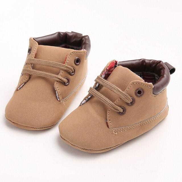 c1ec415c7215f 2017 Nuevo Diseño de las Zapatillas de deporte Zapatos Del Bebé Único  Marrón con cordones Primer