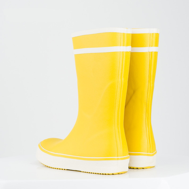 Hellozebra Women Rain Boots Fashion Simple Solid Color Tube Boot Fanti-skid Rubber Shoes Rain Water Shoes 2017 New Design Candy