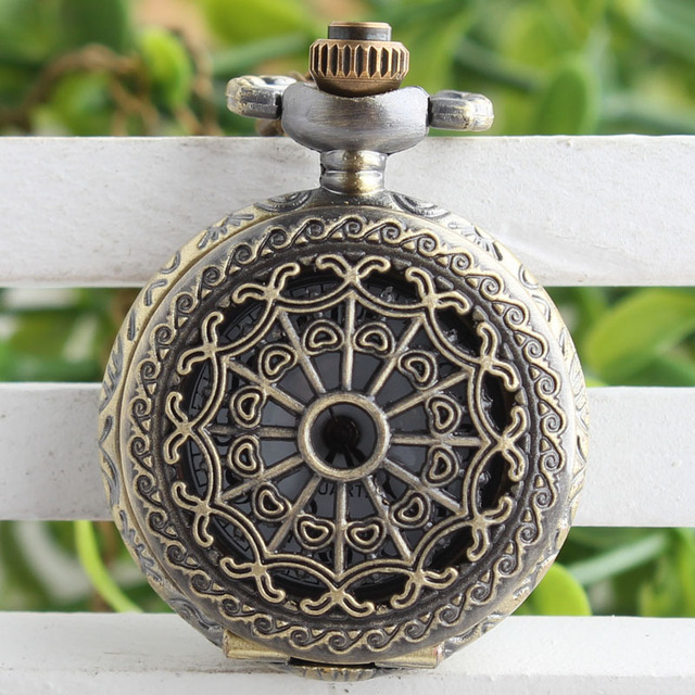 Silver Hollow Quartz Pocket Watches Men Women Vintage Steampunk Delicate Metal C