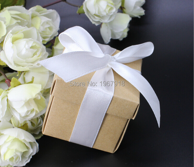 Free Shipping 50pcslot Kraft Paper Candy Box Wedding Favor Boxes