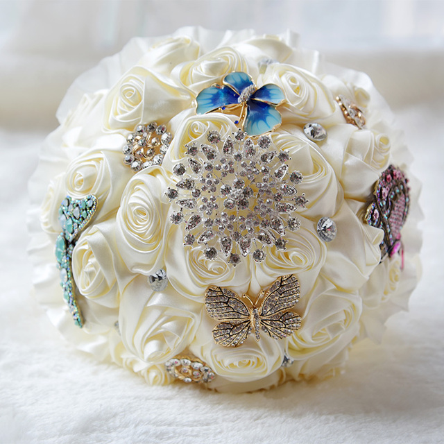 Stunning Butterfly Brooches Bouquet Wedding Bridal Bouquet With Rhinestones silver Brooch and Silk Roses Wedding Flowers FE31