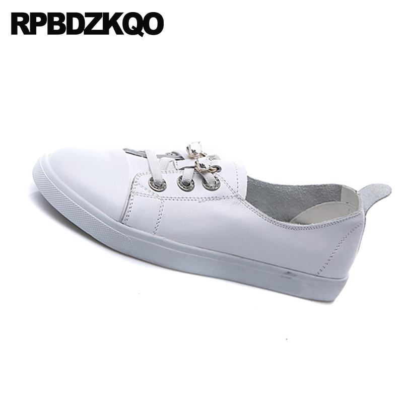 Noir 2018 Cristal Luxe blanc Rond De Designer Semelle Dernière Caoutchouc Chaussures Diamant Up Sneakers Femmes Formateurs Strass Bout En Blanc Dentelle Appartements qwRTUHv