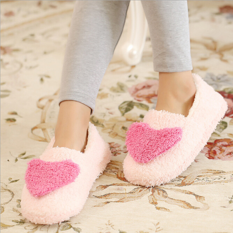 Lovely Ladies Home Floor Soft Women indoor Slippers Outsole Comfortable Big Heart Decor Shoes Female Cashmere Warm Casual Shoes