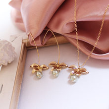 SANSUMMER 2019 Latest Women's Jewelry Suit Petal Decoration White Pearl Natural Wind Earrings Necklace Combination Best Gift 575(China)