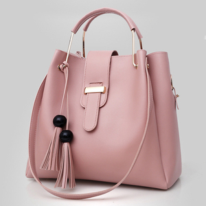 الربيع النساء حقيبة جلدية صغيرة حقيبة كتف سيدة رسول Crossbody حقيبة مركب مخلب شرابة قدرة كبيرة دلو أكياس