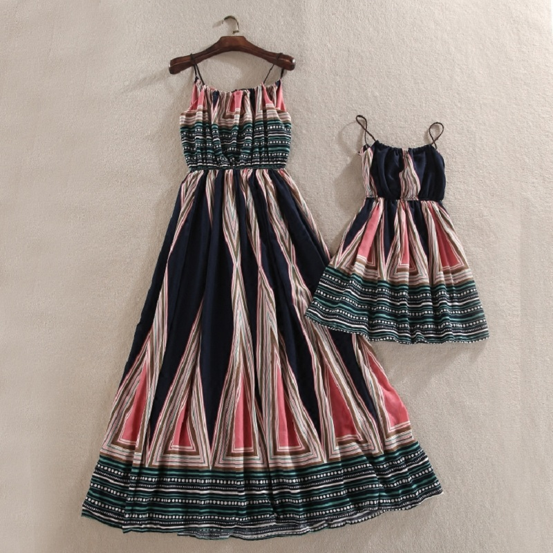 цены на Matching Mommy and Me Dresses Family Dress Mum Mom and Daughter Dress Mother Daughter Outfits Summer Kids Girls Beach Clothes в интернет-магазинах
