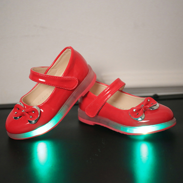 Retail In 2017 the new girl's princess bow light LED drill soft bottom leather shoes size 21-30