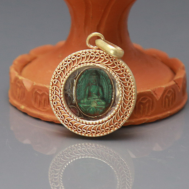 TGB298 Tibetan Brass Gold-plated Turquoise Rulai Buddha Amulet Round Prayer Box Pendants Locket 29mm Tibet Nepal Totem Boxes