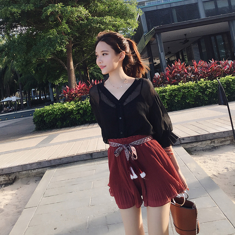 Hong Kong flavor 2019 summer new fashion chiffon shirt blouse pleated skirt was thin two-piece suit female tide