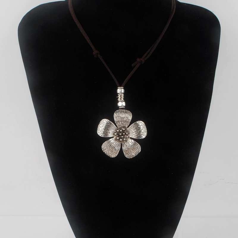 Wholesale Maxi necklace collier women jewelry collares Vintage necklaces Flower pendants Love choker Women Leather Necklace