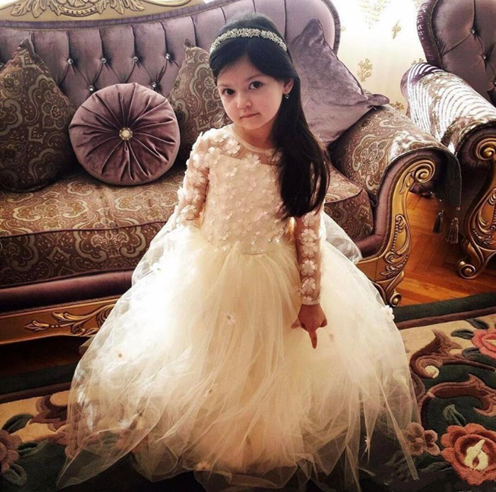 New Coming   Flower     Girl     Dress   For Wedding White Tulle Pageant Gown with 3D Floral Appliques Full Sleeves Vestidos De Fiesta Longo