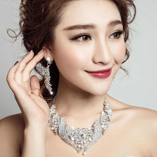 Hot sale Luxuious Crystal necklace earring sets Noble Rhinestone Bride wedding jewelry sets Ladies party necklace accessories
