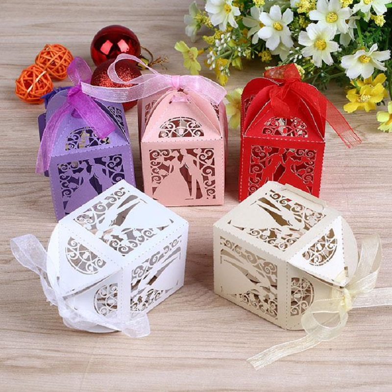 10pcs/lot Hollow Out Ribbon Groom Bride Design Sugar Candy Box Gift Container Boxes Wedding Birthday Party Packing Supplies