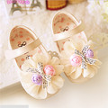 Zapatos de los niños Dulces Bowtie Del Bebé Primeros Caminante Nuevo 2016 Flores Lindas Suaves Del Bebé Zapatos de Princesa Niñas Zapatos de Los Planos #2713