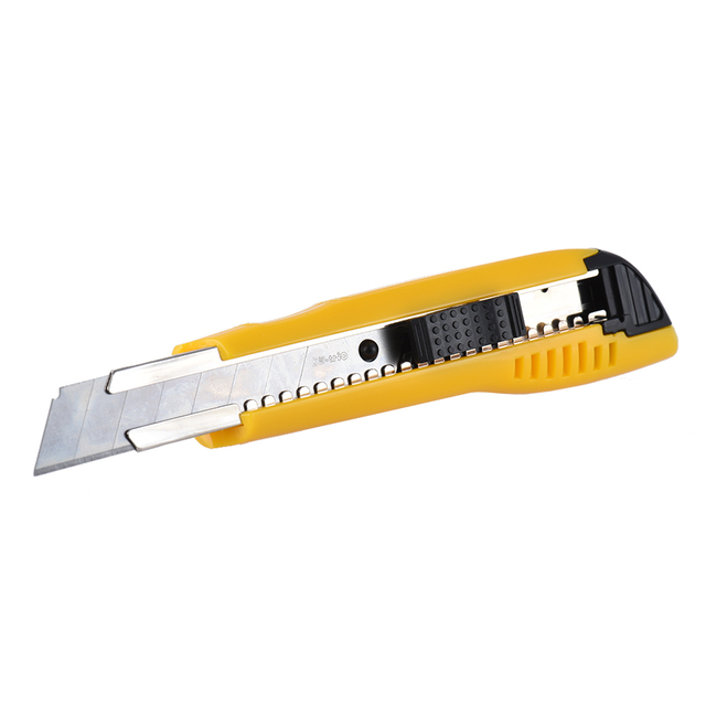 how to change box cutter blade