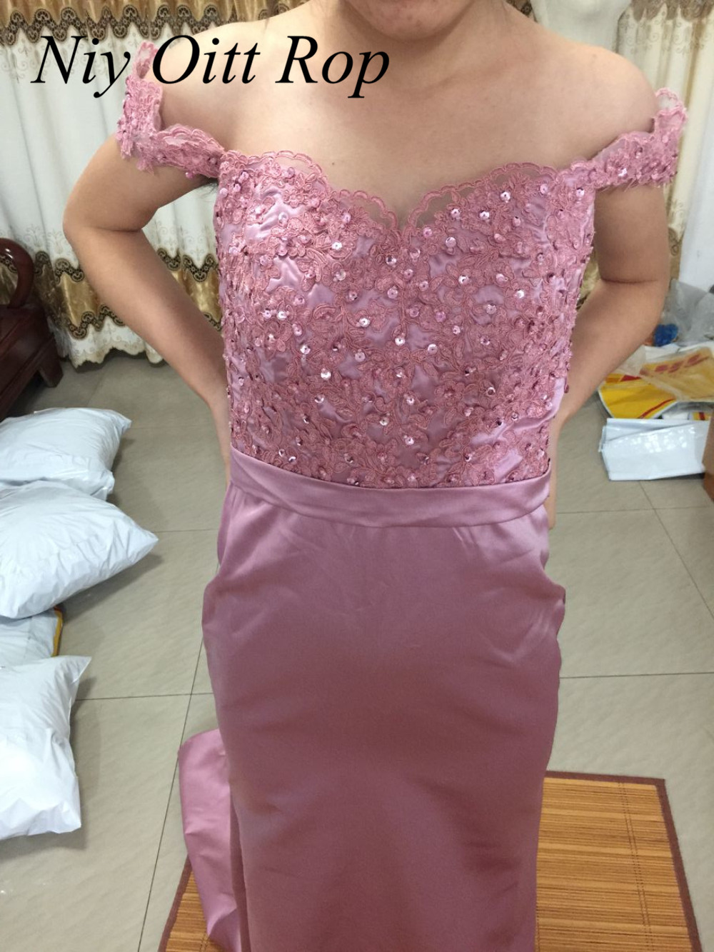 Sexy African Mermaid Pink Blush Bridesmaid Dresses Off Shoulder Long Lace  Wedding Party Dress Cheap Maid Of Honor Gowns B106-in Bridesmaid Dresses  from ... 11325430ef97