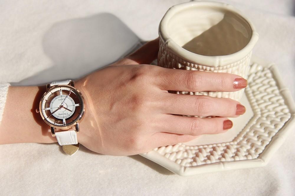 Купи Стильные женские часы на алиэкспресс со скидкой