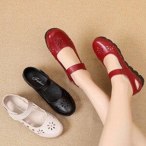 Image 4 - GKTINOO 2019 chaussures dété en cuir véritable pour femme chaussures plates à talons bas avec crochet et boucle en cuir souple chaussures plates pour dames
