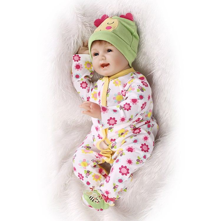 Soft Silicone Reborn Baby Doll Toys Lifelike Collectable Doll Smile Alive Baby Girls Dolls Play House Toy Girls Birthday Gifts the cat with seven names