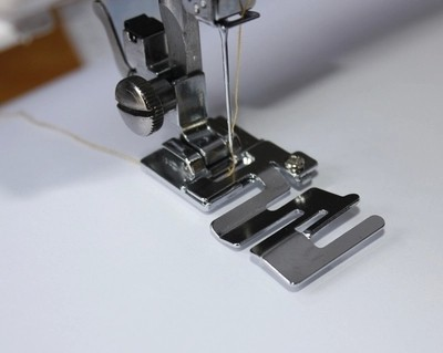 Easy Installation Elastic Foot Home Sewing Machine Universal Elastic Delectable How To Sew Elastic With A Sewing Machine