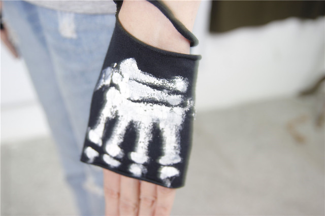 Skull Printed Gothic Hole Finger less Ripped Arm Warmers