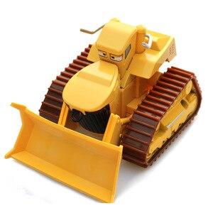 Image 3 - 1:55 Disney Pixar arabalar 3 2 Frank ve traktör yıldırım McQueen malzeme Jackson fırtına Ramirez Diecast oyuncak araba çocuk noel hediyesi
