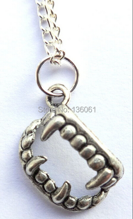 20//50Pcs Style Rétro Tibet Silver Lovely Heart Charms Pendentif Bijoux Finding