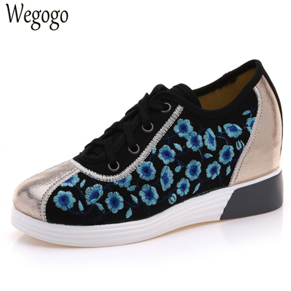Wegogo Vintage Women Flats Canvas Floral Embroidery Lace Up Shoes Woman Casual Faux Leather Platforms Shoes Sapato Feminino vintage embroidery women flats chinese floral canvas embroidered shoes national old beijing cloth single dance soft flats