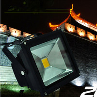 Solar Powered LED Flood Light With 5M Wire 2200mA Battery Capacity For Outdoor Light