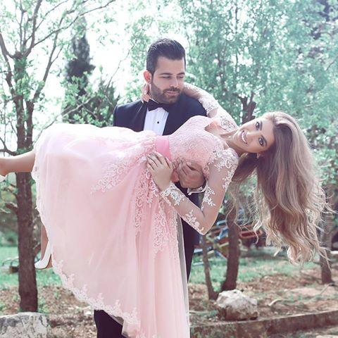 Pink 2019 Homecoming Dresses A-line V-neck Long Sleeves Tulle Appliques Lace Elegant Short Cocktail Dresses