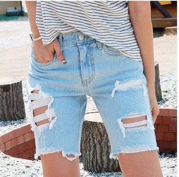 Shorts Women Fashion Light Blue Ripped Pocket Ladies Jeans Vintage Trousers Women Hole Loose Denim Short Pants B75304J 2016 summer style fashion women s short pants lace ladies jeans denim shorts