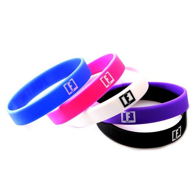 4dd3ea878682 Juego estampado letra F pulseras de resina brazaletes para hombres joyería  pulsera de goma mujeres Braclet