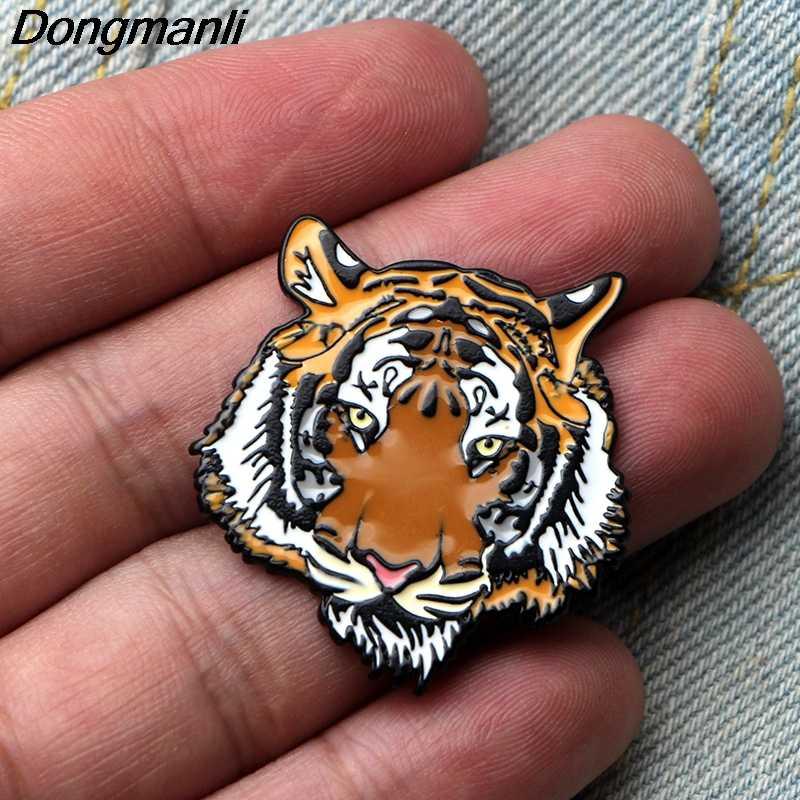 L3605 hayvan kaplan aslan ayı Metal emaye Pin broş karikatür yaratıcı Metal broş pimleri Denim şapka rozeti yaka takı 1 adet