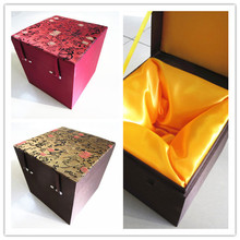 Luxury Soft Square Chinese Wood Box Cube Storage Decoration Gift Packaging High End Silk Fabric Jewelry Stone Collecting