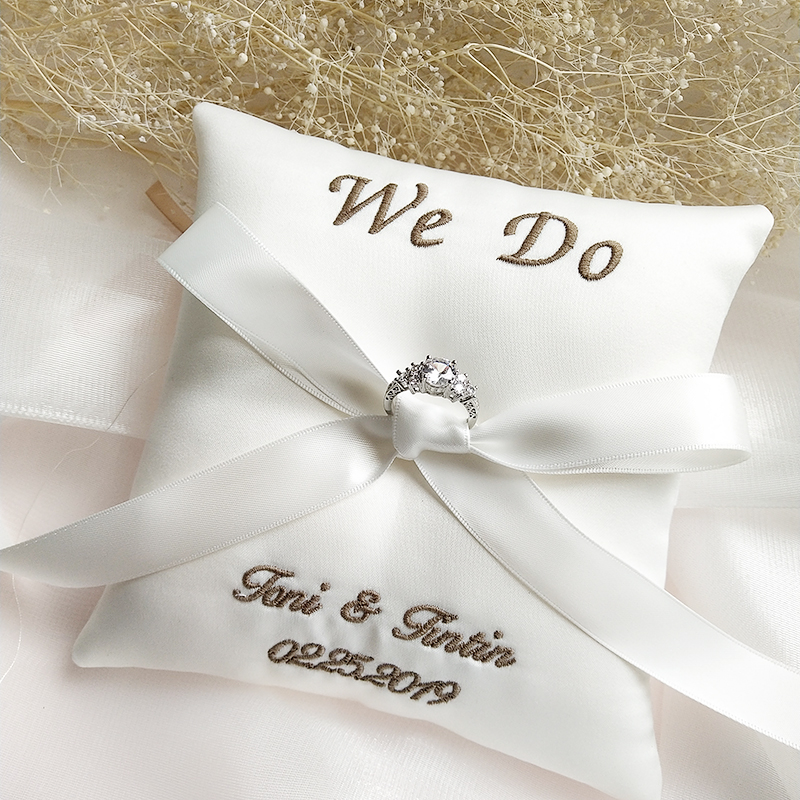 wedding : Customized Ring Pillow Embroidered word Name date Bridal Ring Pillows Cushion Valentine Day Festive Supplies Wedding Decoration