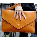 Os novos sacos de mão de moda Simples pura cor restauração antiga maneiras é o grande pu envelope de couro bolsa de ombro inclinado em toda emba