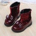2016 nuevos zapatos de cuero del bebé otoño e invierno bebé botas térmicas mediano de la pierna patea los zapatos de bebé tamaño 21-25