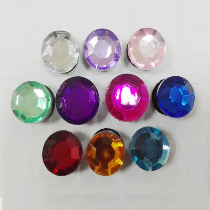 цена 1pcs Crystal Shoe Charms PVC Shoes Accessories Decoration Small Ornaments or Gifts for Party Shoe Buckles в интернет-магазинах