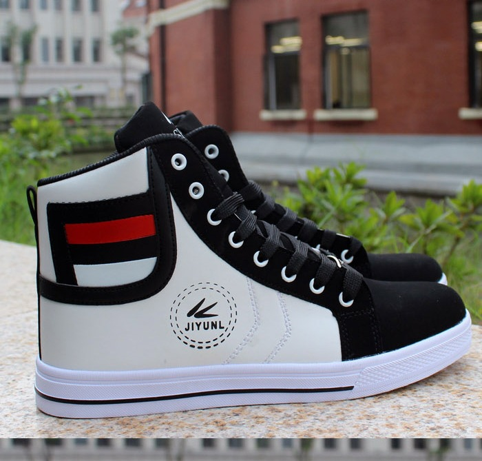 HTB1EeM.gpzqK1RjSZFCq6zbxVXa6 - HUANQIU Brand Men Shoes 2018 Spring Fashion Boots Shoes Man High Top Shoes Men Lace Up Casual Shoe Chaussure Plus size 45 ZLL434