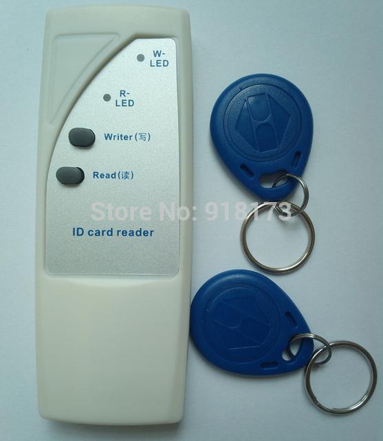 Leitor Handheld 125 Khz RFID Copiadora Escritor/Duplicadora de Cópia de Cartão de IDENTIFICAÇÃO + 2 pcs EM4305 Rfid Tag regravável