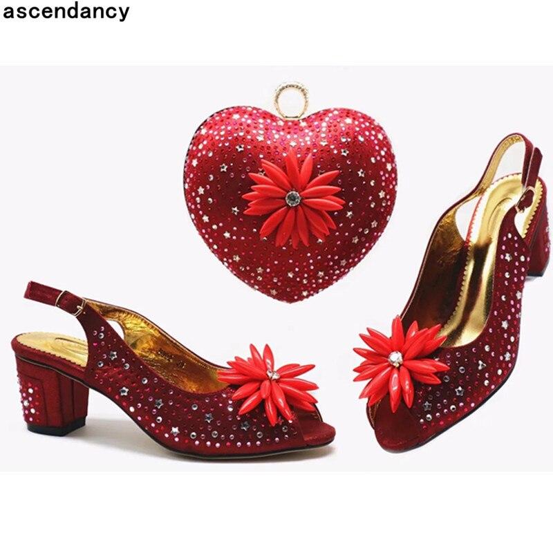 peach Luxe De Dernières Mariage Femmes Pour Le vert Dark Sacs red Assortir Italien Créateur Strass Blue Avec Et À gold Africain 2019 Chaussures qfqr1v