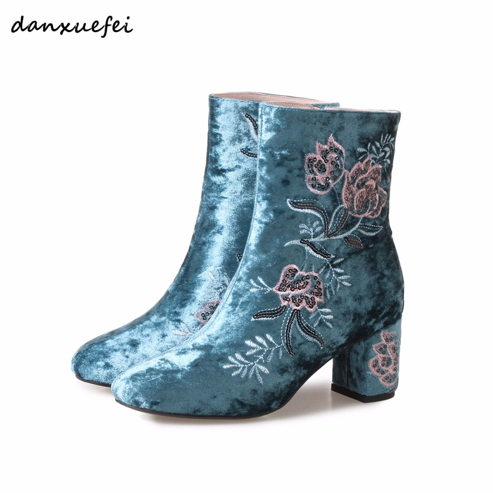 Womens Velvet Winter Retro Embroidery Flowers Thick High Heel Comfort Ankle Boots Brand Designer Short Booties Shoes Plus Size